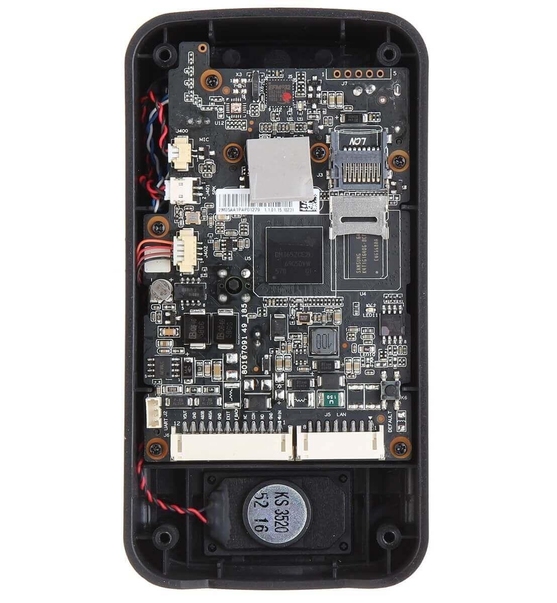 Tích hợp Micro và loa giúp đàm thoại 2 chiều