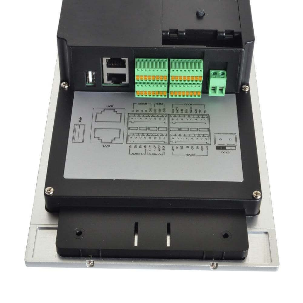Camera HIKvision DS-KD8002-VM hỗ trợ kết nối điều khiển cửa và nhiều tính năng thông minh