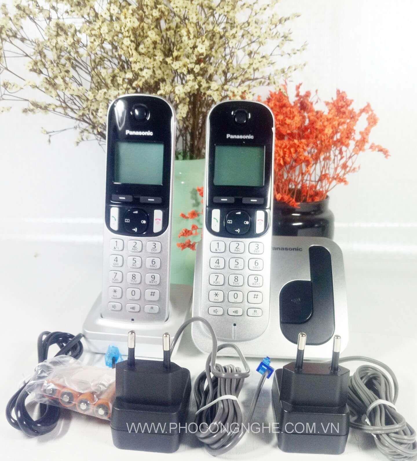 Bộ điện thoại Panasonic KX-TGC212 tay cầm không dây