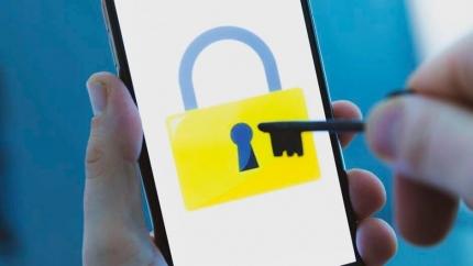 Khóa cửa thông minh có hack được không?